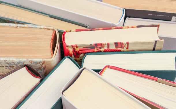 livres assortis